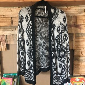Willow & Clay black and white cardigan